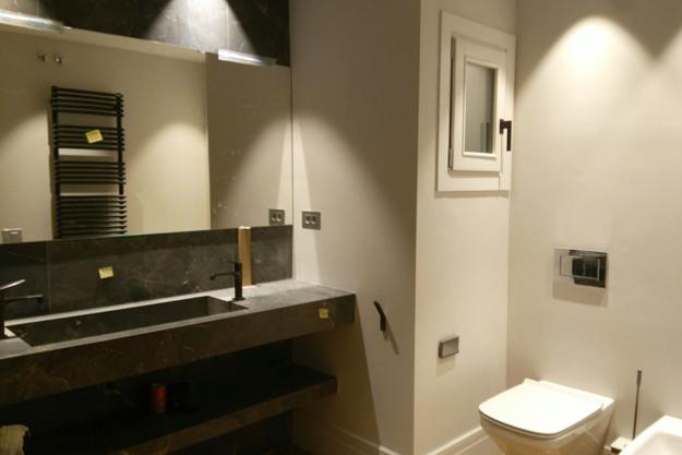 Microcemento en paredes para baños y cocinas